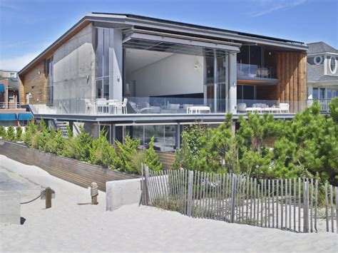 modern coastal house seaside oceanside architecture villa moderne les plus belles villas du monde