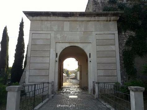 porta carlo particolari picture of porta carlo iii gaeta tripadvisor