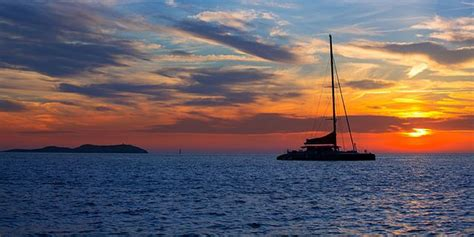 catamaran dinner cruise overnight catamaran sunset dinner cruise mauritius