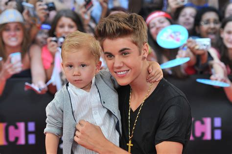 justin bieber biography siblings justin bieber brought his little brother jaxon to the