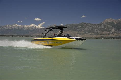 wakeboard boats for rent lake powell rent a boat lake powell page az 86040 801 785 9755