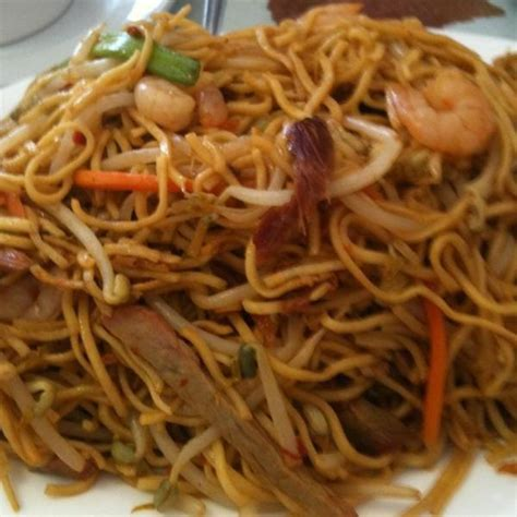 house chow mein house special chow mein mr fong tai wu bbq and noodles