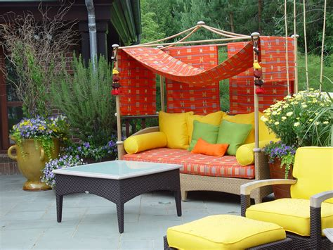 Outdoor Patio Furniture Fabric Glass In The Garden Dirt Simple