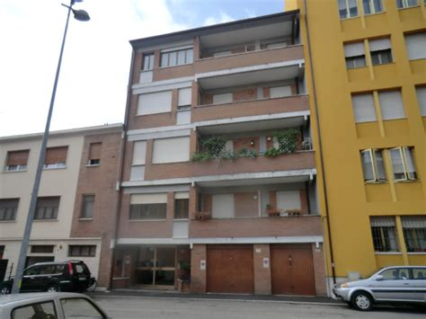 appartamento vendita ferrara living studio immobiliare a ferrara casa appartamento it
