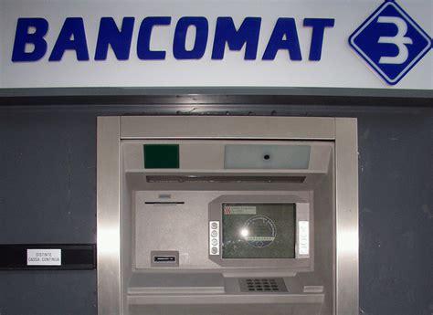 sella bancomat clonato bancomat a trivero decine le vittime dello