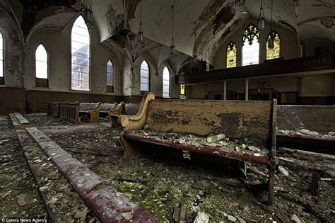 abandoned places in america abandoned america photographer captures haunting images