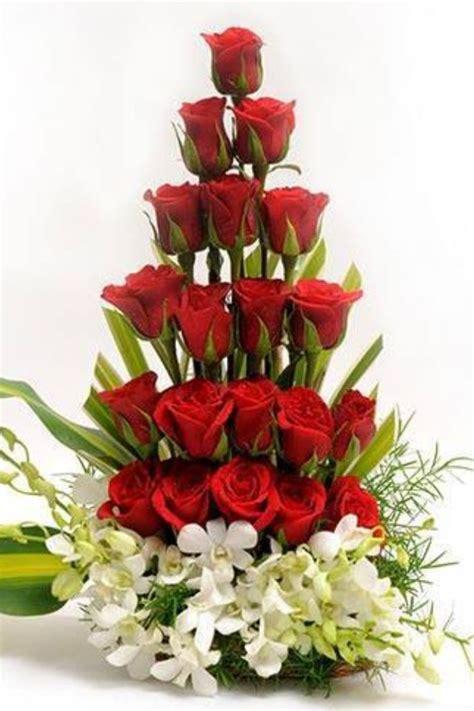 imagenes de arreglos de rosas hermosas en escritorio de oficina las 25 mejores ideas sobre arreglos de flores en pinterest