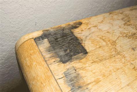 Verwijderen Van Zwarte Vlekken In Houten Meubelen Met
