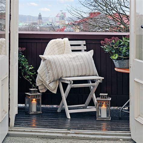 swedish   arranging small open balcony  fresh