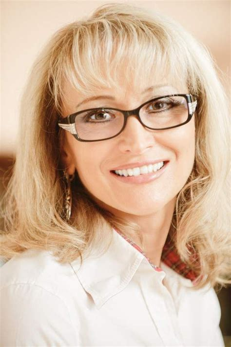 Blonde Hairstyles With Glasses | hairstyles for women over 50 with glasses blonde