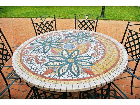 tavoli in ferro battuto e mosaico tavolo in mosaico da esterni diametro 130 cm con sedie
