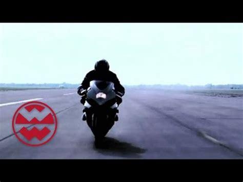 Youtube Videos Motorrad Raser by Turborider Raser Auf Dem Motorrad Welt Der Wunder Youtube