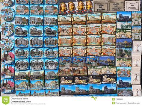 Souvenir Italia Tempelan Magnet Hiasan Rome rows of magnet souvenirs from rome stock photo image 17888434