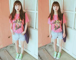 Kaos Tulisan Cecan Cewe Cantik Pink Magenta korean style fashion style orang korea sehari hari