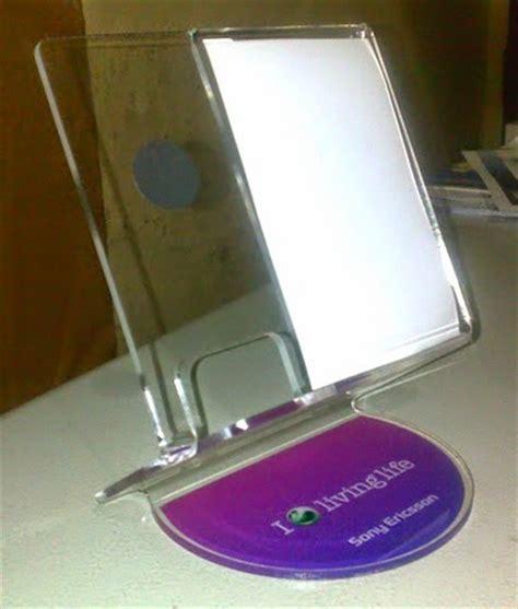 Rak Kotak Untuk Display Barang Dagangan Pameran akrilik bekasi display acrylic handphone