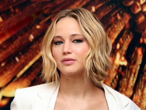 wob hair how to get jennifer lawrence s wavy bob aka quot wob quot