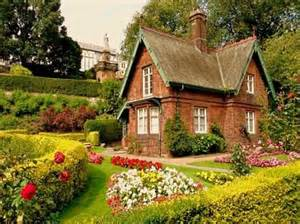 Victorian Cottage Gardens - the stone cottage from the scottish highlands to the hills of tuscany