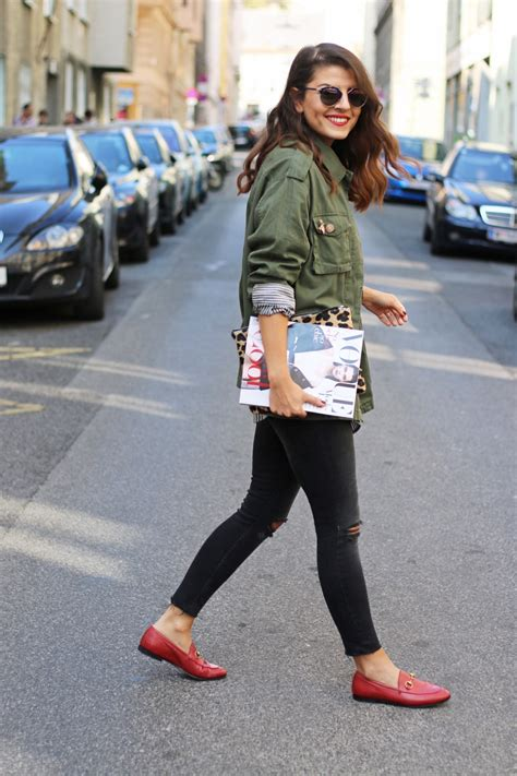 what to wear with gucci loafers khaki cargo jacket ripped gucci jordaan slipper