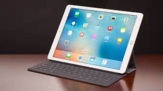 apple pulls ipad pro ios 9 3 2 update which was bricking