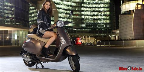 Vespa Photo 2 photo 2 vespa primavera 150 scooter picture gallery