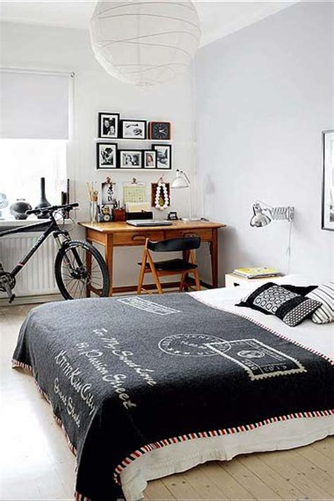 Blanket From The Bedroom by Tips And Ideas For Indoor Bike Storage Solutions
