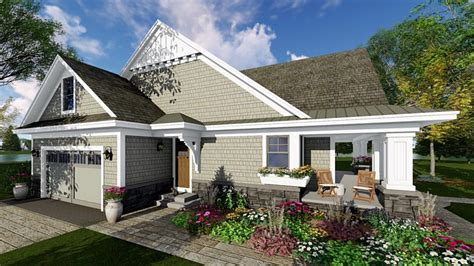 traditional craftsman house plans bungalow cottage craftsman traditional house plan 42618