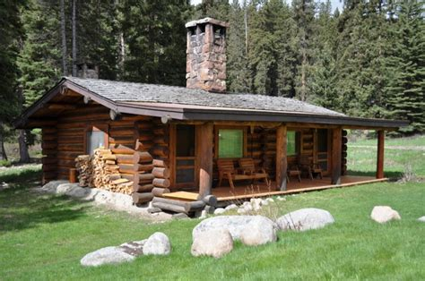 Honeymoon Cabins In Montana by Lamedeer And Are Log Cabins At Montana S Lone