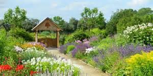 Pictures Of Gardens breezy knees gardens the flower garden of yorkshire