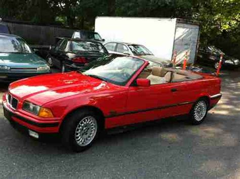 Bmw 318i Convertible by Buy Used 1994 Bmw 318i Base Convertible 2 Door 1 8l In