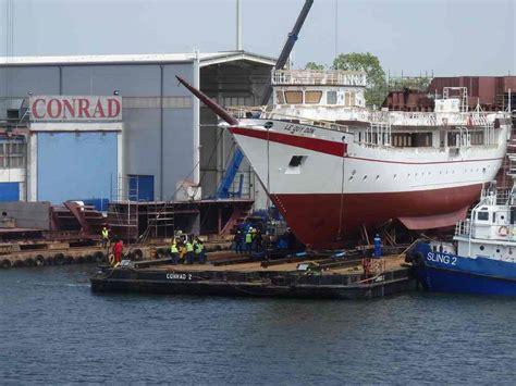 jacht z polakami dziewiczy rejs żaglowca dla wietnamu z polakami na