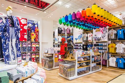 Wall Murals Modern uniqlo wants to be america s perfect fit racked
