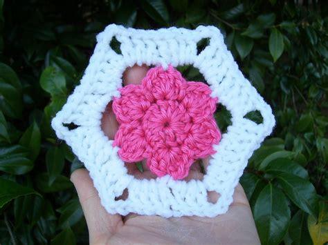 Crochet Hexagon Motif Free Patterns scrap yarn crochet free floral hexagon motif crochet pattern