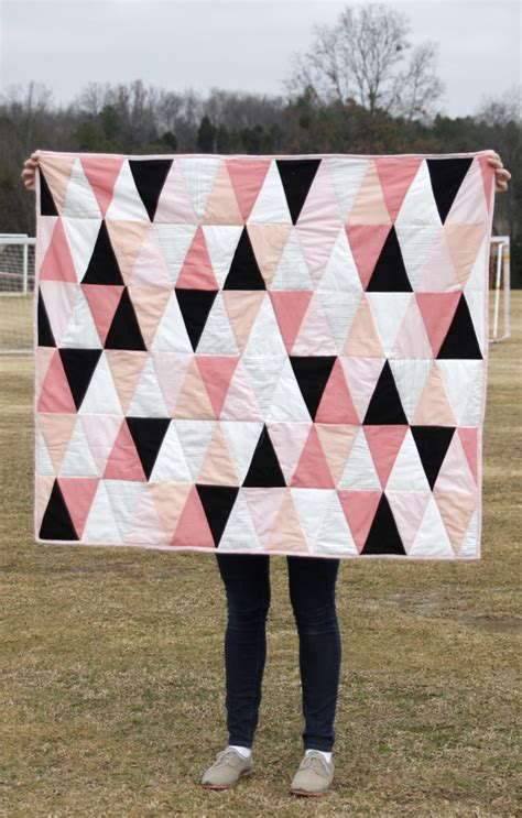 modern ombre bw triangle quilt tutorial pattern