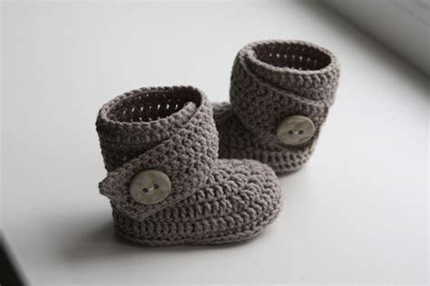 crochet pattern uggs baby boots crochet ugg boot pattern pdf this is a pattern for