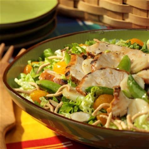 Sprei Set Pasta Salur grilled chicken salad ready set eat
