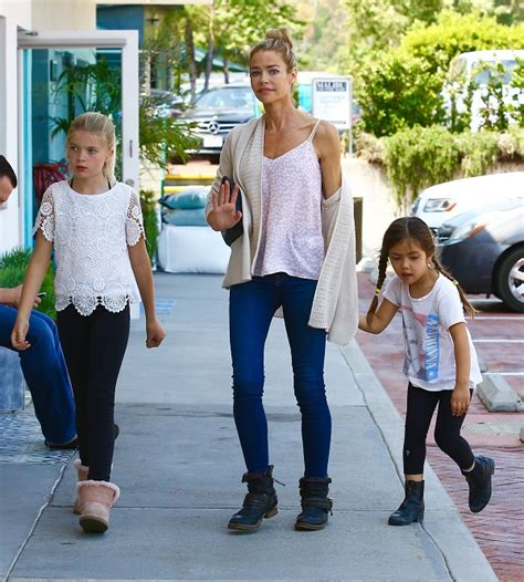 Richards Shopping And Daughters Shopping In Malibu by Richards Spends The Afternoon Shopping With