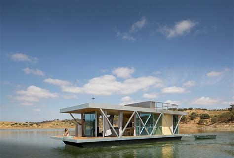 floating home tour floatwing designed by friday a mobile floating home by studio friday ignant com
