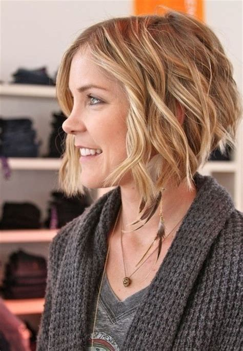 do short blunt curly haircuts look good on heavy women 20 hottest short wavy hairstyles popular haircuts
