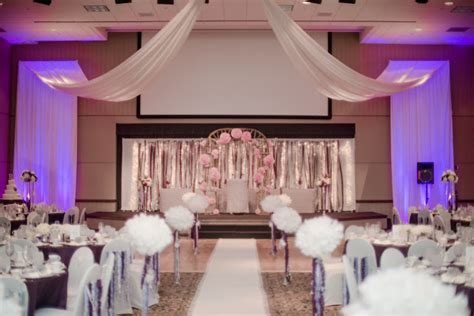 Same Room as you wish floral design early wedding at the hy