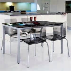 Supérieur Table En Verre Et Chaises #1: chaises-transparentes-chaises-de-cuisine-noires.jpg