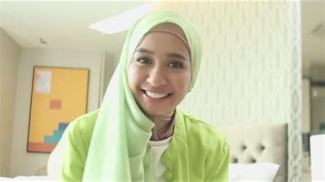 tutorial hijab bella tutorial hijab laudya chintya bella sehari hari youtube