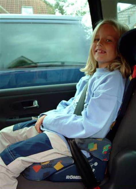 ab wann darf ein vorne sitzen adac test kinder auch auf dem beifahrersitz sicher