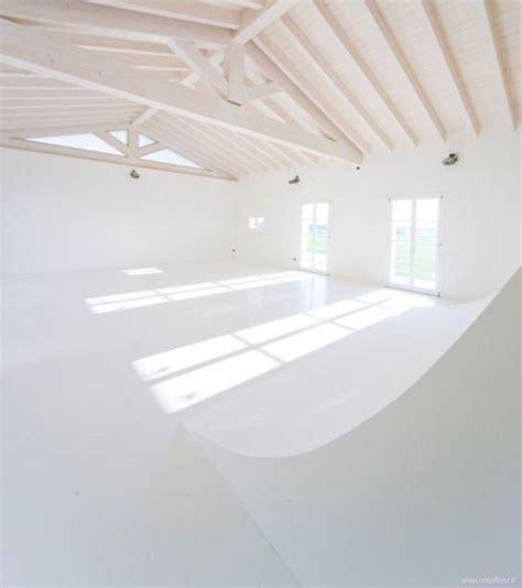 pavimento resina bianco pavimento bianco per agriturismo a modena resin floor srl