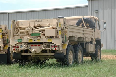 bae systems fmtv build family of medium tactical vehicles howlingpixel