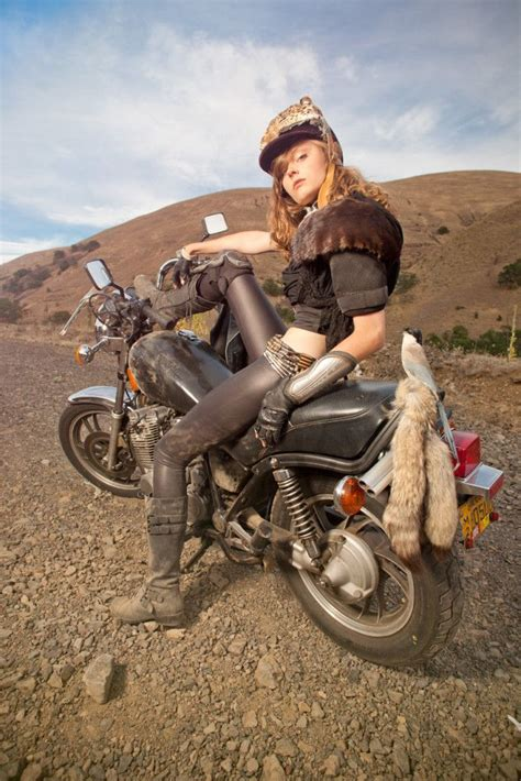 Mad Max Motorrad by Coyote Velten Mad Max Motorcycle Girl Moto Lady As I