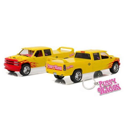 Greenlight 1 43 Chevrolet Silverado Wagon Kill Bill Diskon kill bill 1997 chevy c 2500 silverado 1 18 scale die cast