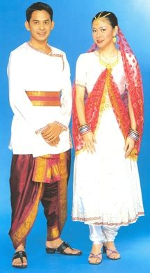 kaum  malaysia pakaian tradisional kaum india