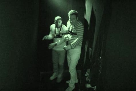 kevin hart haunted house kevin hart and jimmy fallon lose their sh t inside scary