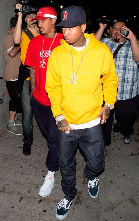 tyga yellow bentley tyga has repossessed as he shops for bentley
