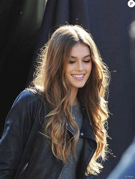 vanidades cindy crawford kaia gerber everything you need to know about cindy